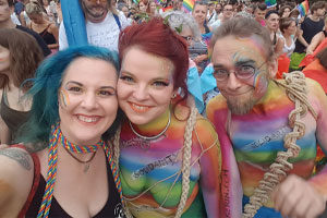regenbogenparade viennapride bodypainting