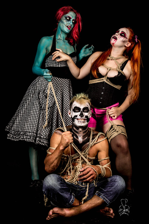Halloween mit Seilen, Makeup etwas freizügiger