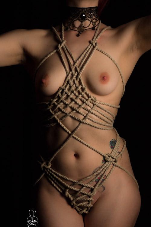 Sinnliche und elegante Bondage Fotos